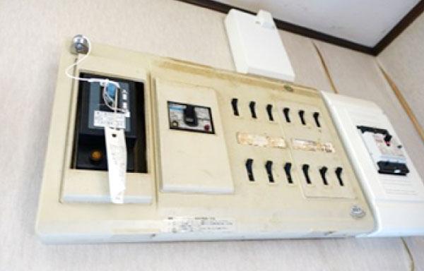 配電盤、電気容量、コンセントの数は?